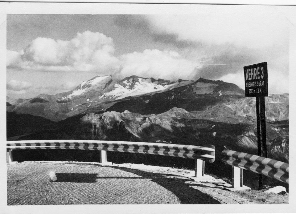Die Straße zur Edelweißspitze