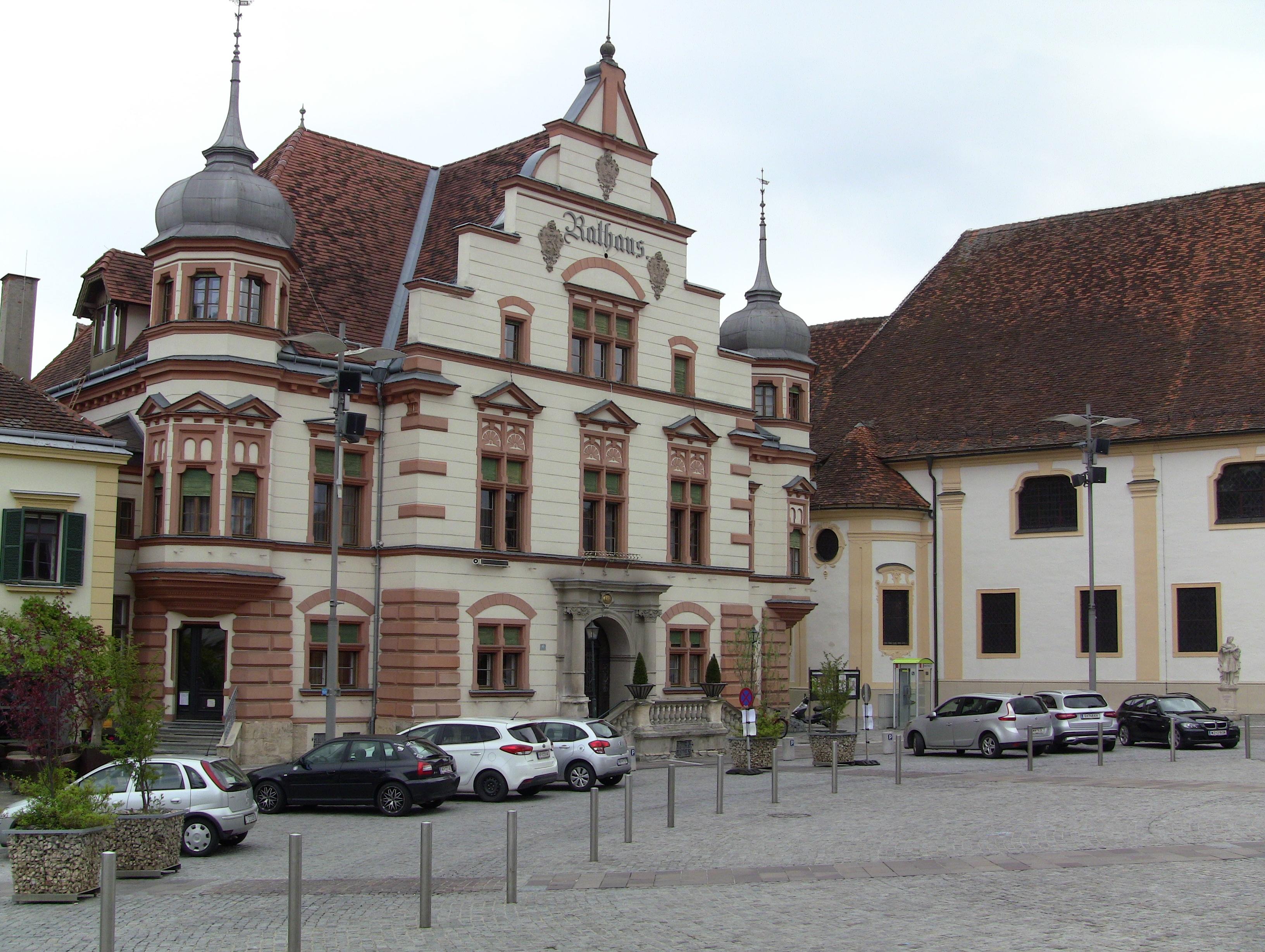 Das Rathaus am Hauptplatz