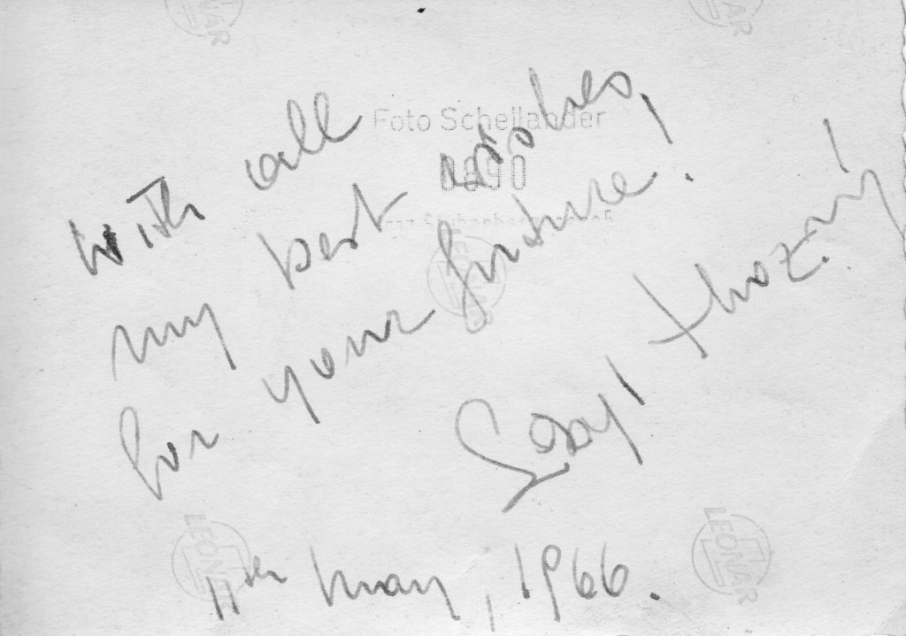 """Kostümfest 1966 im """"Club Symposion"""". Widmung von Sibyl Hrozný. Bevor es uns hinaus katapultierte ins Leben, in die Individualität."""