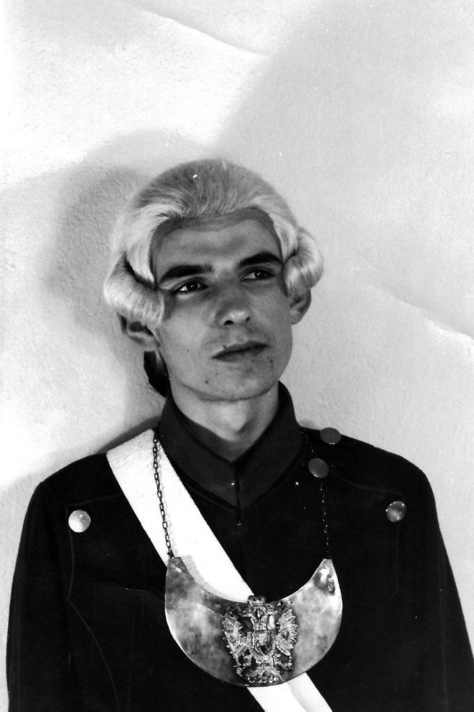 """Meinrad Nell als """"Feldjäger"""" in Lessing´s """"Minna von Barnhelm"""". Dies ist wohl die gefürchtetste aller Chargenrollen."""