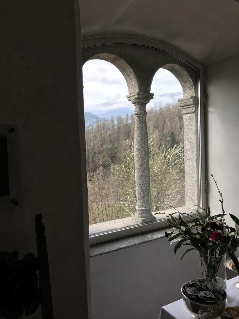 Besucher und Gäste der Sonnenburg mussten gegen das Licht blinzeln.