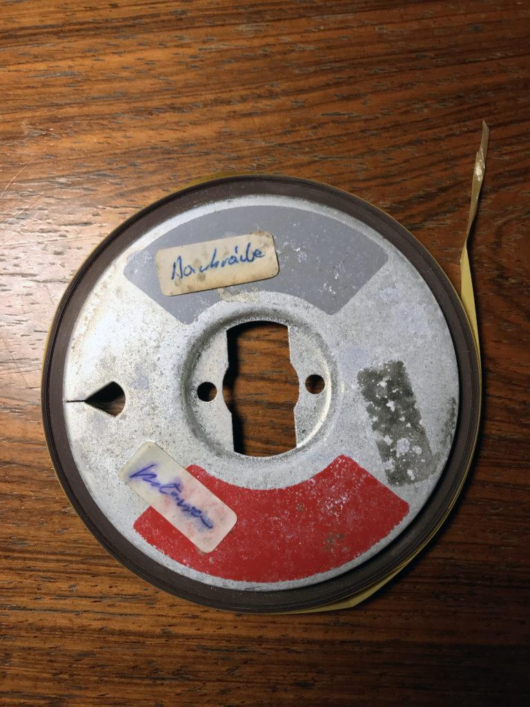 """Das Bild eines """"Bobbys"""". Auf diesen Metall-Kernen war alles aufgezeichnet, was """"sendbar"""" war, von wenigen Sekunden bis hin zu fast einer Stunde - im Programm """"Österreich Regional""""."""